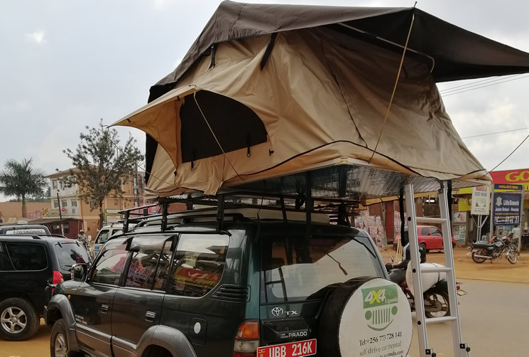 Prado with Rooftop tent